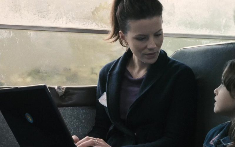 Microsoft Windows Laptop Used by Kate Beckinsale in Nothing But the Truth (1)