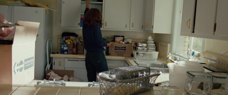 North American Van Lines and Little Debbie Boxes in The Insider (1999) - Movie Product Placement