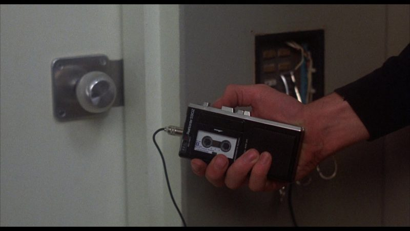 OLYMPUS Pearlcorder S902 Handheld MicroCassette Voice Recorder in WarGames (1983) Movie Product Placement