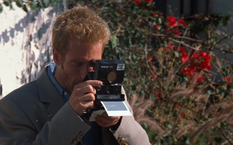 Polaroid 690 Camera Used by Guy Pearce in Memento (4)