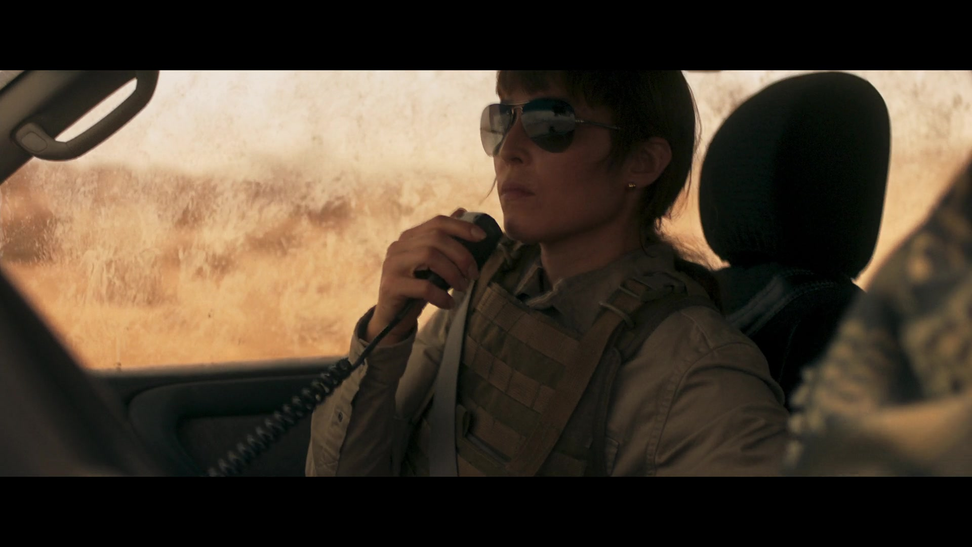Ray Ban Women S Sunglasses Worn By Noomi Rapace In Close