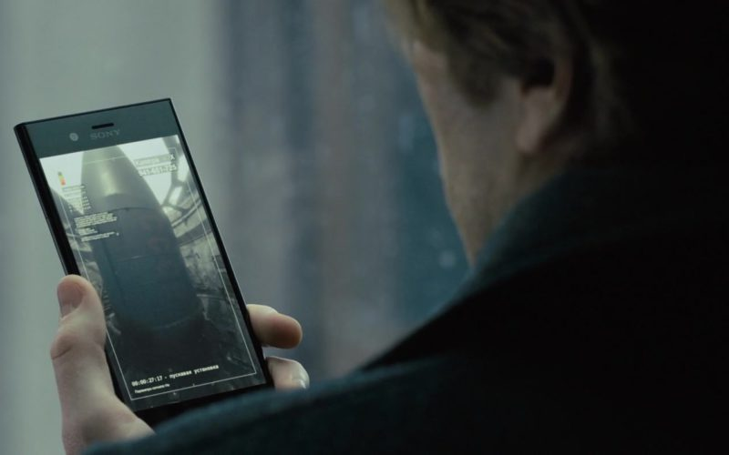 Samsung Xperia Smartphone Used by Sverrir Gudnason in The Girl in the Spider's Web (3)