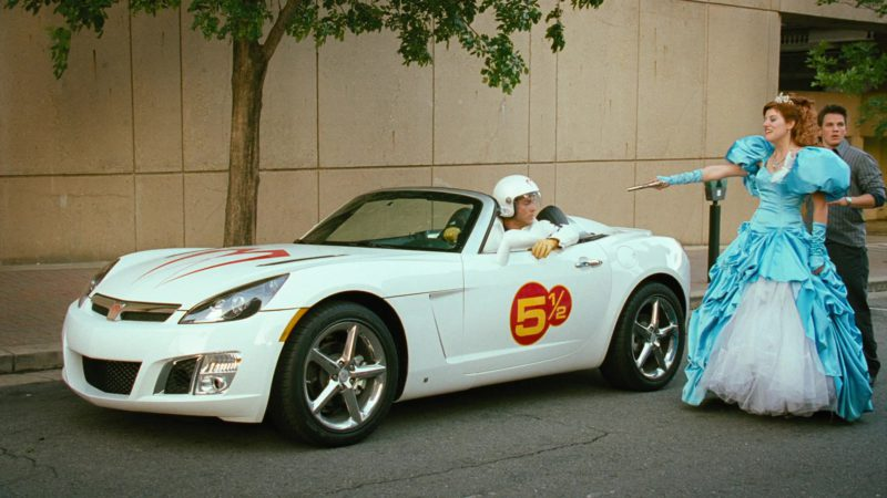 Saturn Sky Car in Disaster Movie (2008) Movie Product Placement