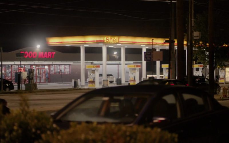 Shell Filling Station in The Hate U Give
