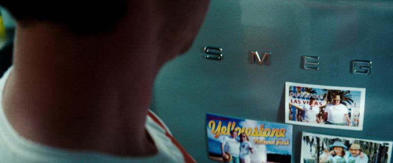 Smeg Refrigerator in Transformers: Dark of the Moon (2011) - Movie Product Placement