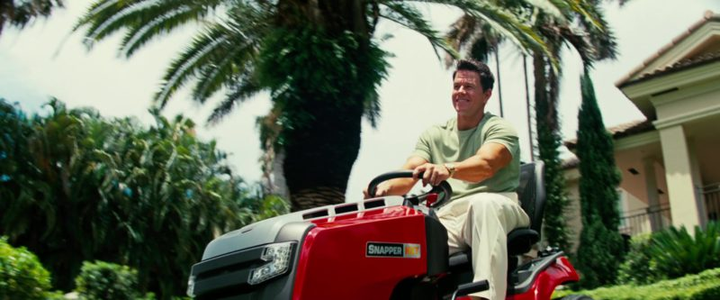 Snapper NXT Riding Mower Used by Mark Wahlberg in Pain & Gain (2013) - Movie Product Placement
