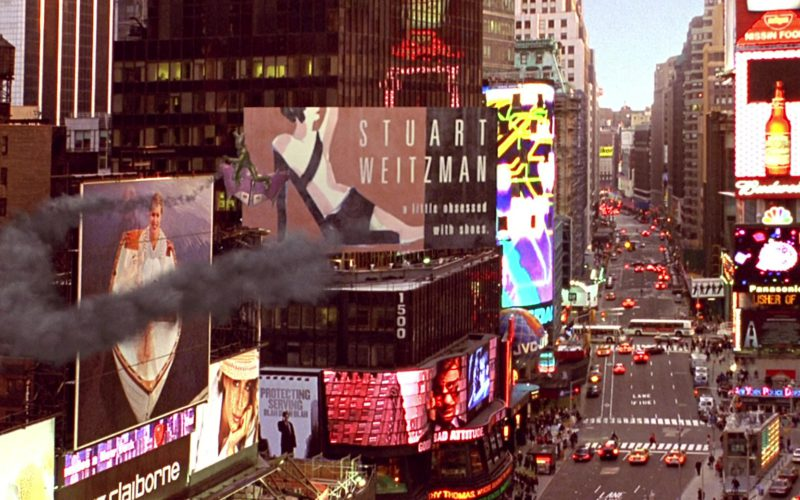 Stuart Weitzman Billboard in Spider-Man (1)