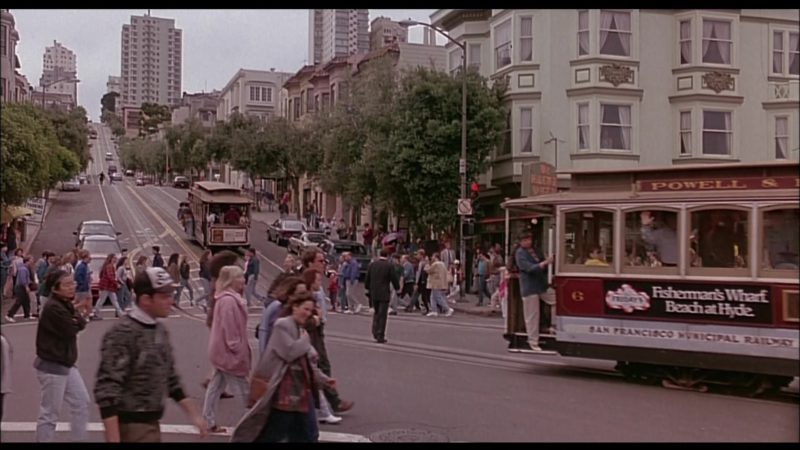 TGI Friday's Tram Advertising in When a Man Loves a Woman (1994) - Movie Product Placement