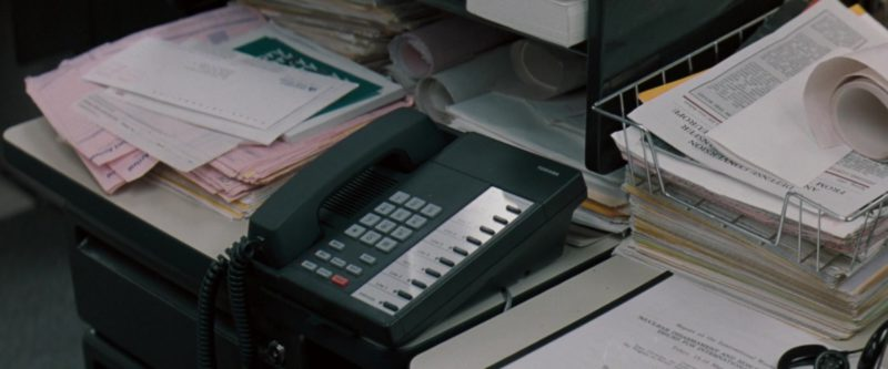 Toshiba Telephone in The Pelican Brief (1993) - Movie Product Placement