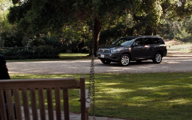Toyota Highlander Hybrid Driven by Meryl Streep in It's Complicated (4)