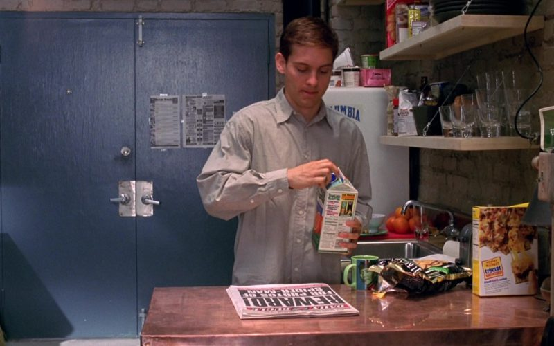 Tropicana Orange Juice Held by Tobey Maguire and Triscuit Crackers in The Week Of (1)