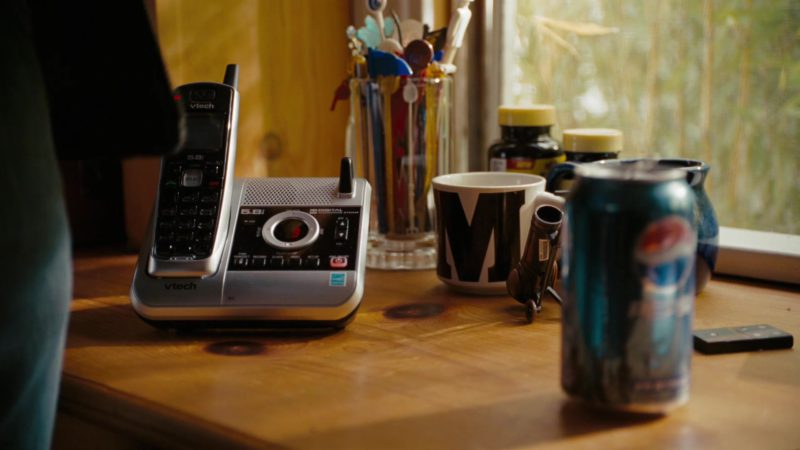 VTech Telephone and Pepsi Can in The Ugly Truth (2009) - Movie Product Placement
