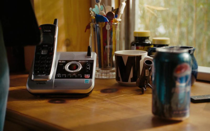 VTech Telephone and Pepsi Can in The Ugly Truth