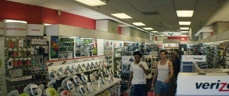 Verizon Store in Magic Mike XXL (2015) - Movie Product Placement