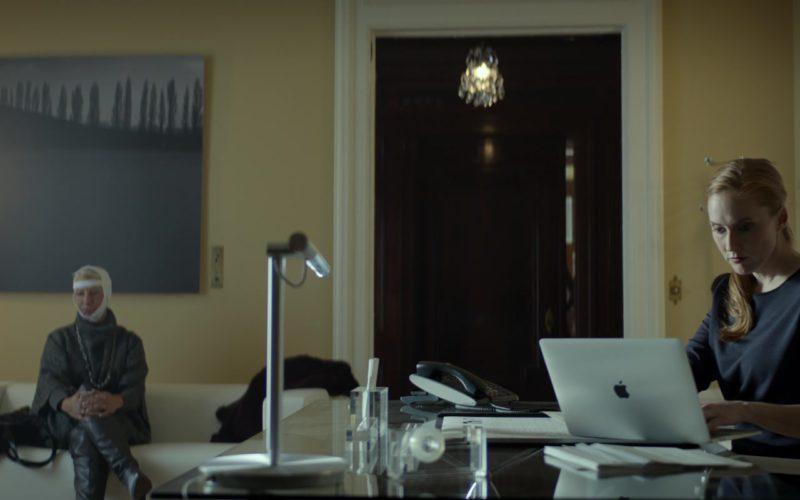 Apple 15-Inch MacBook Pro Laptop in Look Away (1)