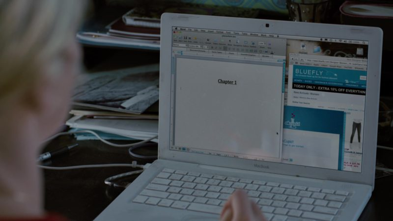 Apple MacBook Laptop, Bluefly and OkCupid Websites in Young Adult (2011) Movie Product Placement