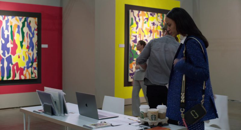 Apple MacBook Laptop and Starbucks Coffee in Velvet Buzzsaw (2019) Movie Product Placement
