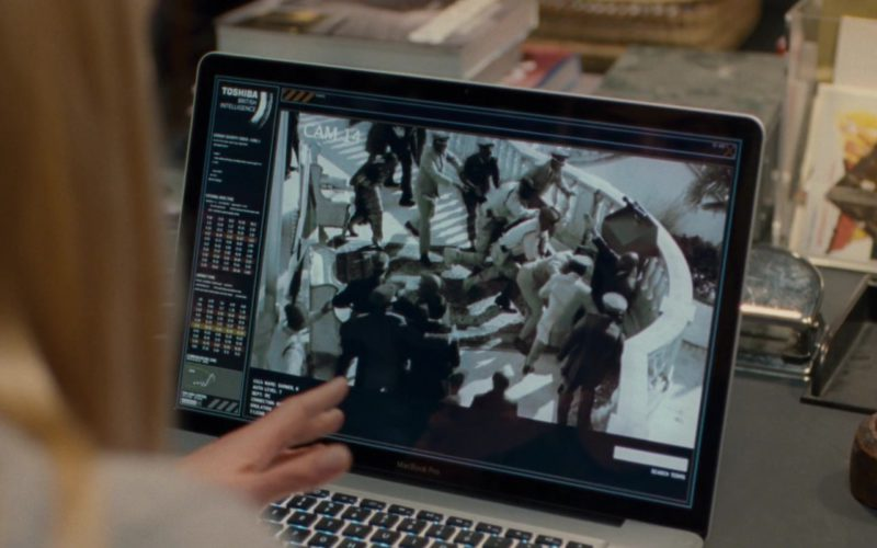 Apple MacBook Pro Laptop Used by Rosamund Pike in Johnny English Reborn (1)