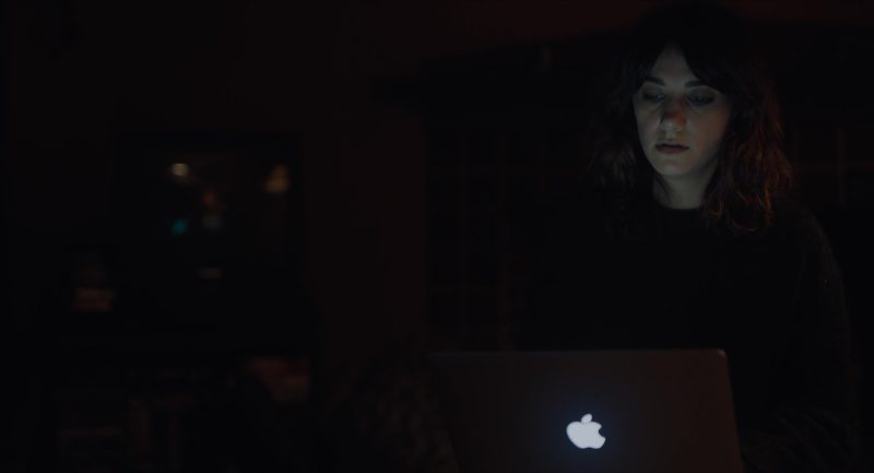 Apple MacBook Pro Laptops in Viper Club (2018) - Movie Product Placement