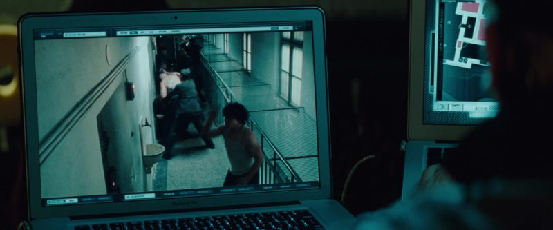 Apple MacBook Pro Notebook Used by Simon Pegg in Mission: Impossible – Ghost Protocol (2011) - Movie Product Placement