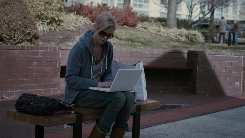 Apple MacBook and Macy's Paper Bag in Young Adult (2011) Movie Product Placement