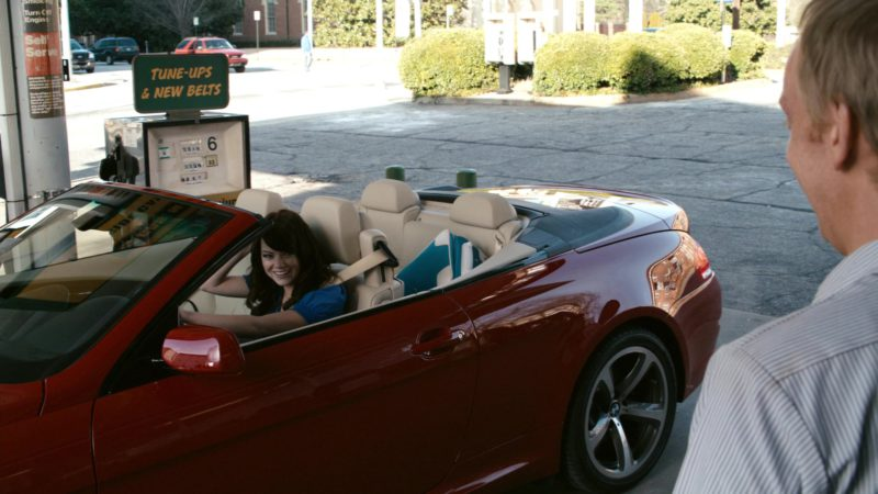 BMW 650i [E64] Red Convertible Car Driven by Emma Stone in Zombieland (2009) - Movie Product Placement
