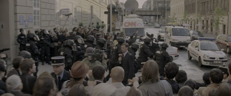 CNN Television Car in G.I. Joe: The Rise of Cobra (2009) - Movie Product Placement