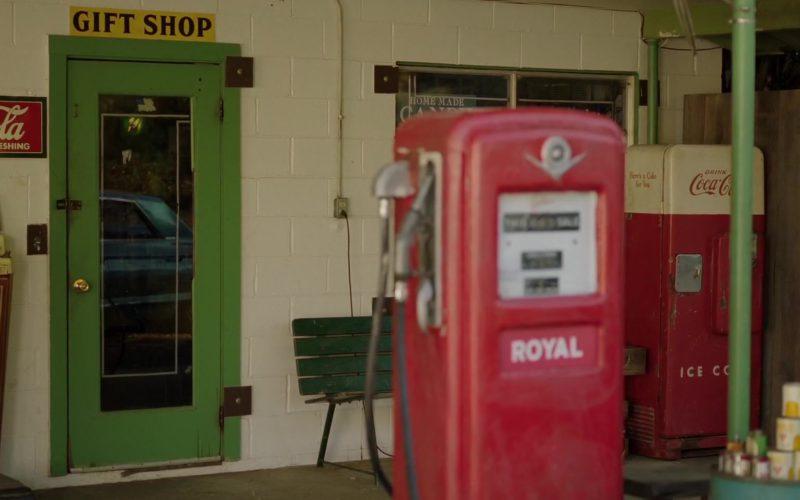 Coca-Cola Sign and Vending Machine in Green Book (1)