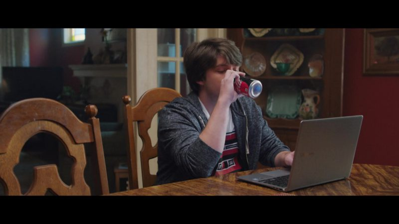 Coca-Cola and Samsung Notebook in Second Act (2018) Movie Product Placement