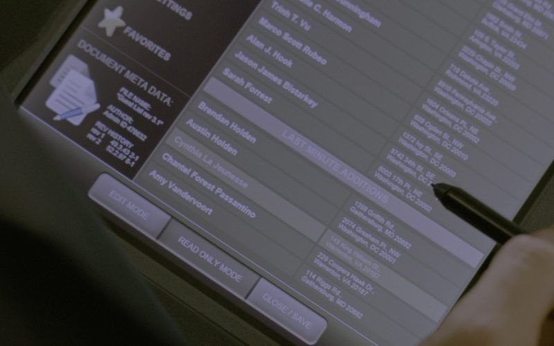 Dell 2-in-1 TabletLaptop Transformer in G.I. Joe Retaliation (1)