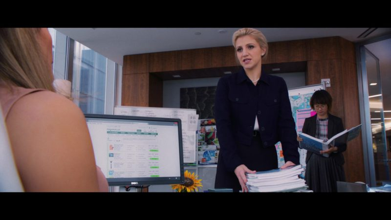 Dell Computer Monitor Used by Jennifer Lopez in Second Act (2018) - Movie Product Placement