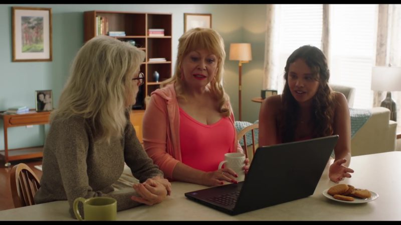 Dell Notebook in Poms (2019) Movie Product Placement