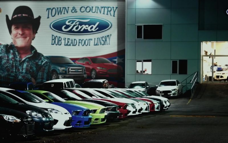 Ford Dealership in Trading Paint