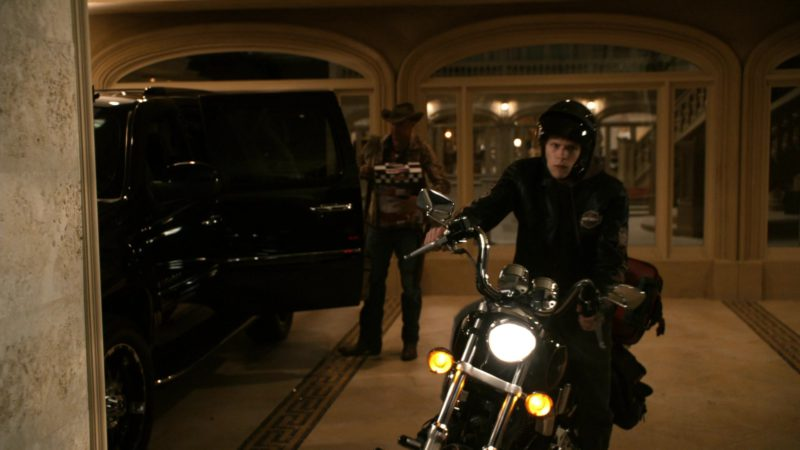 Harley-Davidson FXDX Dyna Super Glide Sport Motorcycle in Zombieland (2009) - Movie Product Placement
