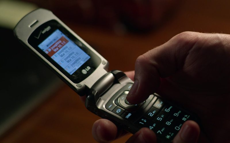 LG Cell Phone x Verizon Used by Jake Gyllenhaal in Velvet Buzzsaw (1)