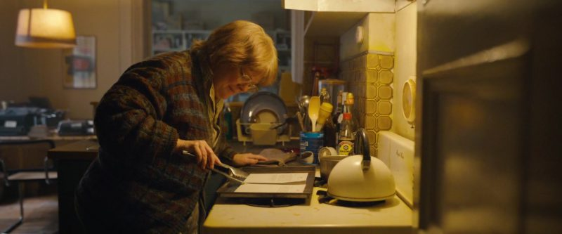 Maxwell House Coffee and Kikkoman Soy Sauce in Can You Ever Forgive Me? (2018) - Movie Product Placement