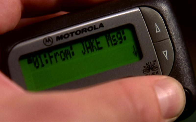 Motorola Pager in I'll Be Home for Christmas (1)