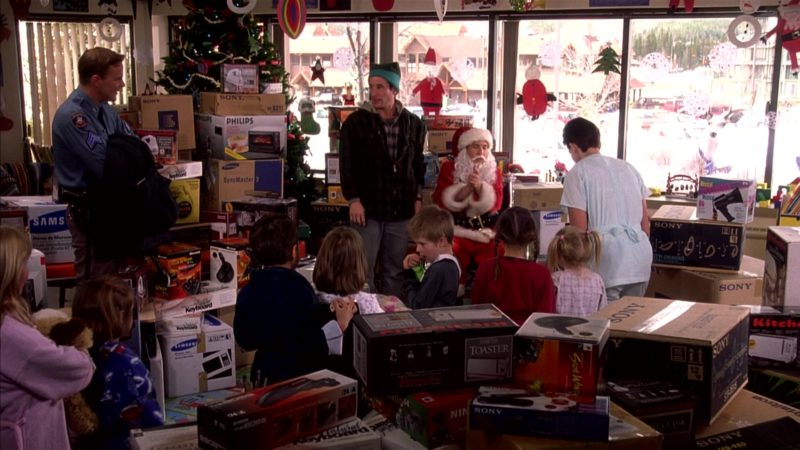 Sony, Philips, Samsung and KitchenAid in I'll Be Home for Christmas (1998) Movie Product Placement
