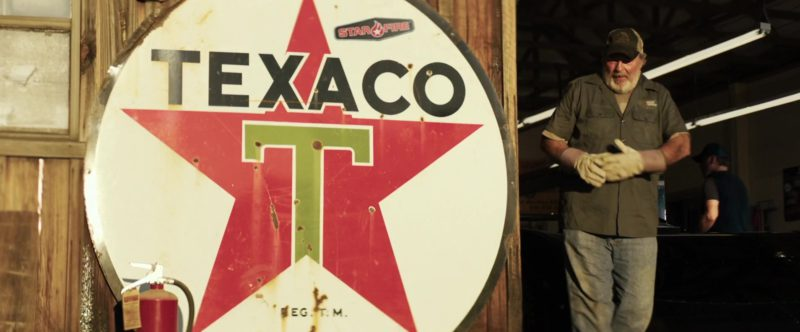 Texaco Vintage Sign in Trading Paint (2019) - Movie Product Placement