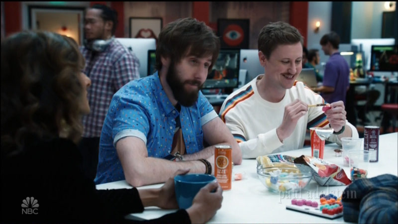 "Tim's Cascade Chips, Izze, Popchips in ""I Feel Bad"" - TV Show Product Placement"