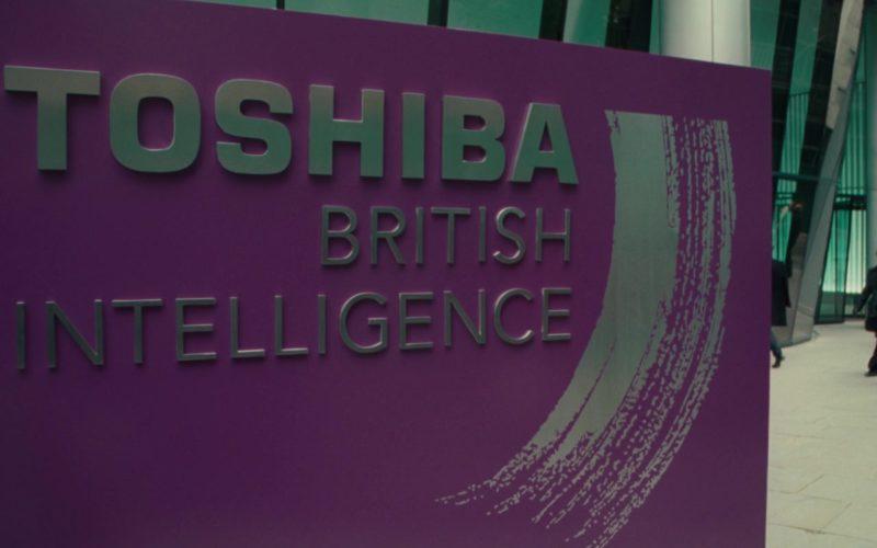 Toshiba in Johnny English Reborn (1)