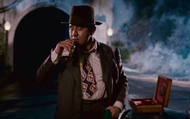 Wild Turkey Bourbon Drunk by Bob Hoskins in Who Framed Roger Rabbit (8)