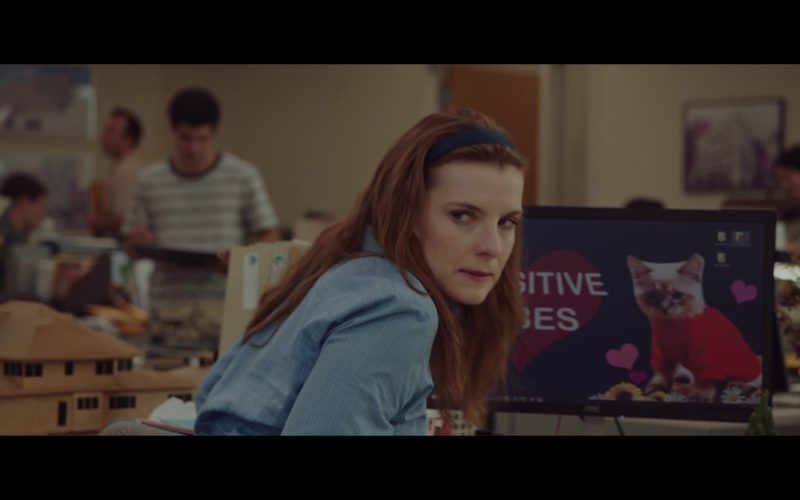 AOC Monitor Used by Betty Gilpin in Isn't It Romantic (3)