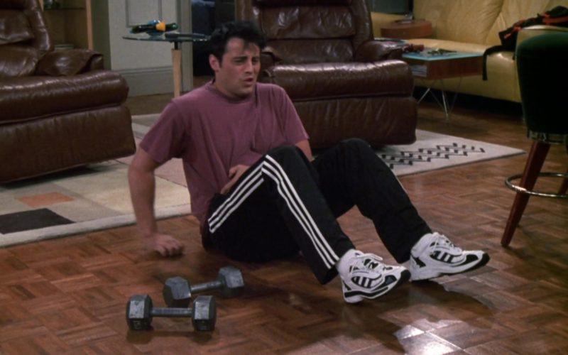 Adidas Sneakers and Trackpants Worn by Matt LeBlanc (Joey Tribbiani) in Friends Season 6 (4)