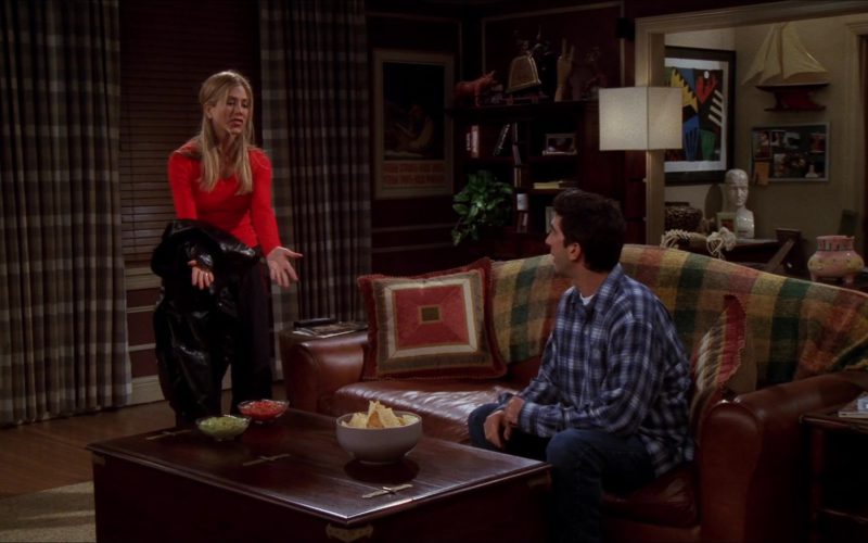 Apothecary Table From Pottery Barn Bought by David Schwimmer (Ross Geller) in Friends Season 6 Episode 11 (2)