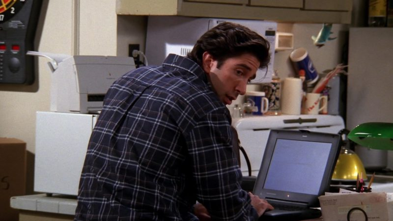 """Apple Laptop Used by David Schwimmer (Ross Geller) in Friends Season 5 Episode 7 """"The One Where Ross Moves In"""" (1998) TV Show Product Placement"""