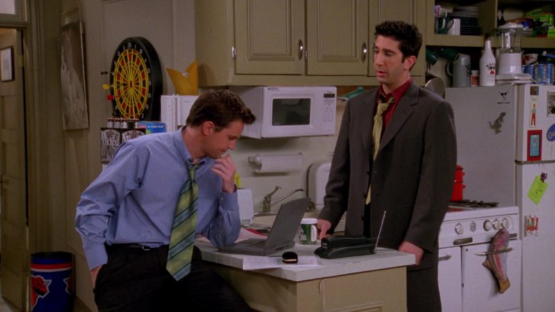 "Apple Macintosh Powerbook Laptop Used by Matthew Perry (Chandler Bing) in Friends Season 4 Episode 23 ""The One With Ross' Wedding"" (1998) TV Show Product Placement"