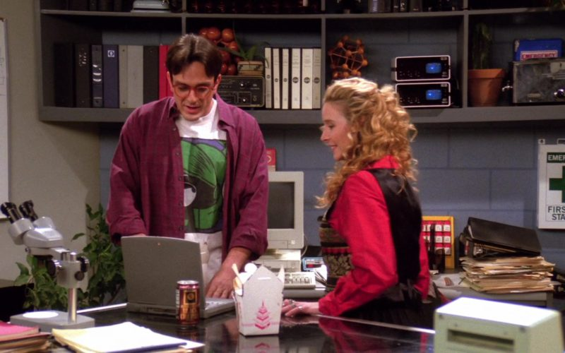 Apple PowerBook Laptop Used by Hank Azaria (David) in Friends Season 1 Episode 10