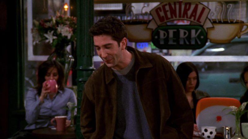 "Apple iBook G3 Orange Laptop in Friends Season 6 Episode 12 ""The One With the Joke"" (2000) TV Show"