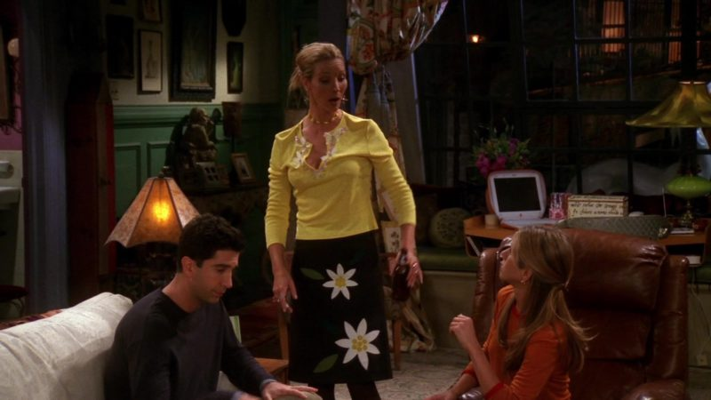 """Apple iBook Laptop in Friends Season 7 Episode 4 """"The One With Rachel's Assistant"""" (2000) - TV Show Product Placement"""